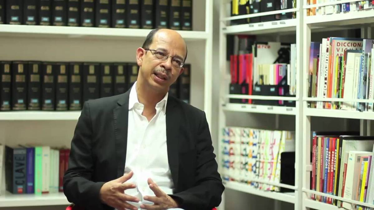 Una batalla por la memoria: Entrevista con Miguel Huezo Mixco