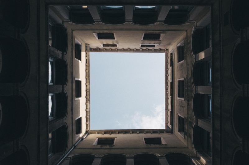 square-984205_960_720