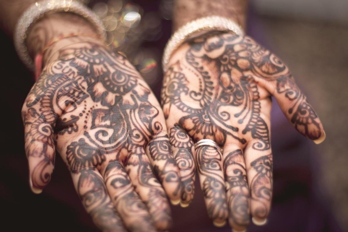 Debasish Parashar: «Telaraña Perfumada» (Poesía de la India)